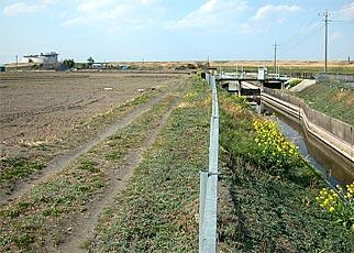 旧浅間川の堤防跡
